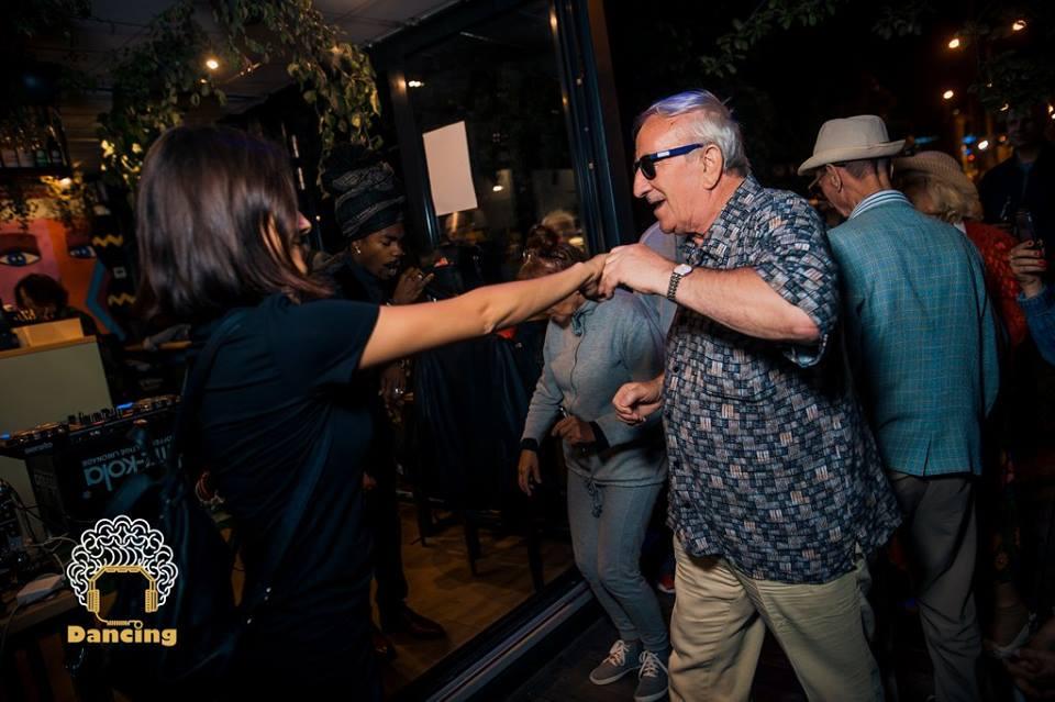 dancing_03